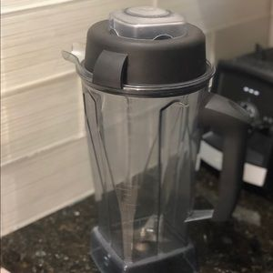 Vitamix container 64 oz
